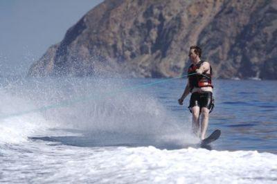 Ed waterskiing